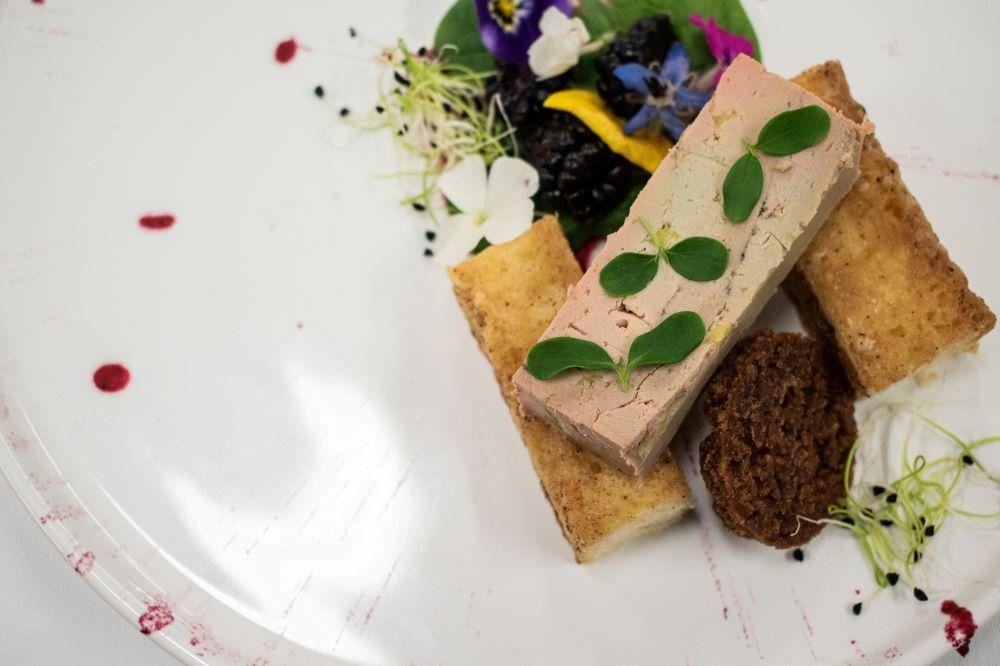 foie gras label rouge de haute qualité sur pain toasté