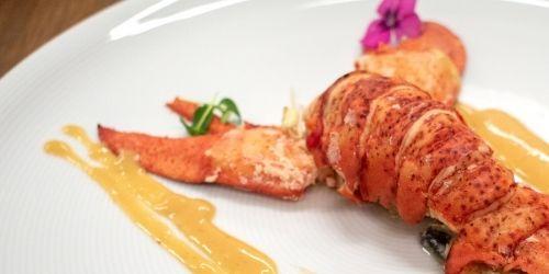 homard entier réalisé par un traiteur